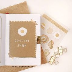 Coffee Theme Bullet Journal Set-up | Heraldeecreates Autumn Bullet Journal, Creating A Bullet Journal, Bullet Journal For Beginners, Bullet Journal Set Up, Bullet Journal Cover Page, Bullet Journal Tracker, Bullet Journal Themes, Bullet Journal Layout, My Journal