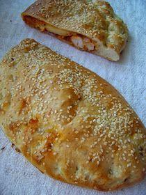 Rozpustne gotowanie: Włoskie ciasto drożdżowe, idealne na pizzę, calzone lub bułki śniadaniowe. Calzone, Pizza, Bread, Food, Brot, Essen, Baking, Meals, Breads