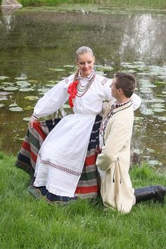 Polish Folk Costumes, Chelm Folk Costume, Costumes, Baltic Sea, Historical Clothing, Polish Girls, Traditional Outfits, Culture, Folklore, Stitching