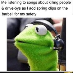 Me listening to songs about killing people & drive-bys as I add spring clips on the barbell for my safety - iFunny :) - Workout Memes, Gym Memes, Gym Humor, Gym Workouts, Exercise Humor, Crossfit Memes, Workout Ideas, Alpha Gym, Bodybuilding Memes