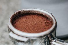 Keittiön biojätteistä hyötyaineiksi – älä heitä näitä pois Commercial Espresso Machine, Best Espresso Machine, Espresso Recipes, Espresso Drinks, Dessert Cups, Dessert Drinks, Coffee Pictures, Italian Coffee, Coffee Tasting