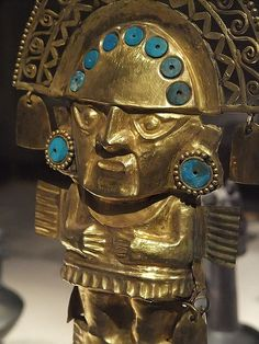 Detail of Ceremonial Knife (Tumi) Chimu Peru 1100 CE Gold with turquoise inlay. The Chimu culture was the second-largest in the Andes, after the Inca. They had access to vast amounts of labor and resources. Tumi, Inca Art, Arte Latina, Peruvian Art, Inca Empire, Aztec Art, Mesoamerican, Ancient Jewelry, Antique Jewelry
