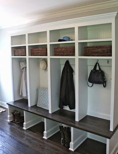 Mudroom Ideas Featuring Storage Areas & Benches  http://www.inspiredhomeideas.com/mudroom-ideas-featuring-storage-areas-benches/