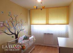 Cortinas para Dormitorio de Bebé Decorado en tonos neutros.