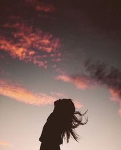 Silhouette Photography, Shadow Photography, Girl Photography Poses, Tumblr Photography, Sunset Photography, Silhouette Fotografie, Cute Poses For Pictures, Shadow Pictures, Profile Pictures Instagram