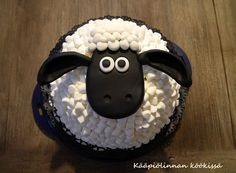 Kääpiölinnan köökissä: Kolmas Late uunista ulos - Late Lammas-kakku vadelma-mascarponetäytteellä
