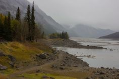 http://www.naturehealsthesoul.com/2013/10/mystery-lake-in-october.html