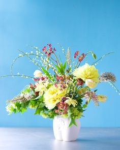 Kiana Underwood / tulipina.com | peony, parrot tulip, ranunculus, fritillaria, broom, tree tulip, bottlebrush buckeye