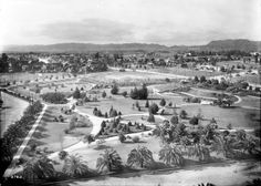 Lafayette Park in 1913. Courtesy of the Title Insurance and Trust, and C.C. Pierce Photography Collection, USC Libraries.