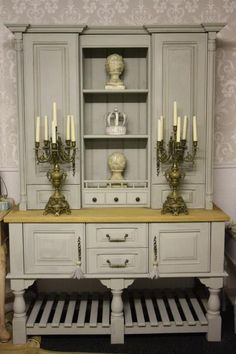 Dresser in annie sloan Paris grey