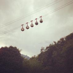 Bonjour Grenoble ! #téléphérique #grenoble #oeuf #egg #trees #forest #museedauphinois #isere #museum by mauboissier