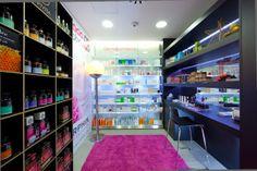 Farmácia Rioboo | Coruña, Espanha | Fonte: Mrs. Shopfitter