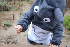 http://youandmie.com/2011/10/24/sew-tell-totoro-costume/