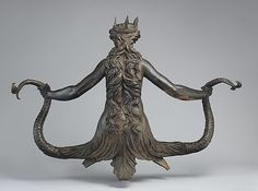 Direct and dramatic, this bronze half-length statue represents a nude woman, aquatic from the waist down, who holds a scaly tail in each hand. Her long hair trails behind her to a set of fish gills that fan out from all sides of her body Roman Sculpture, Lion Sculpture, Mermaid Sculpture, Italian Sculptors, Ancient Greek Art, Esoteric Art, Underwater Creatures, Vintage Mermaid, Mermaids And Mermen