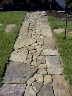 Awesome 80 Breathtaking Front Yard Pathway and Walkway Landscape Design Ideas source link: structhom Garden Steps, Garden Paths, Walkway Garden, Flagstone Pathway, Mosaic Walkway, Stone Walkways, Driveways, Backyard Patio, Jardin Vertical Pallet