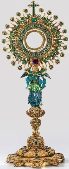"""""""MONSTRANT NUMITA LA LECHUGA"""" (MONTRANT THE LETTUCE), FROM THE JESUIT CHURCH OF SAN IGNACIO BOTOTA, COLOMBIA. CREATED IN EARLY 1700s BY GOLDSMITH JOSE GALAZ. FASHIONED FROM 1,485 EMERALDS, 168 AMETHYSTS, 62 BAROQUE PEARLS, 28 DIAMONDS, 4 FACETED TOPAZ & 18K GOLD. PRADO MUSEUM, SPAIN."""