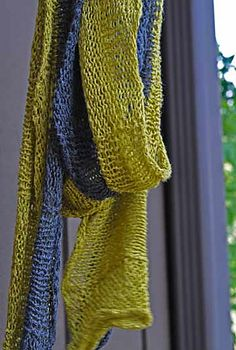 Ravelry: Summer Scarf pattern by Janet Avila. the pattern is not available, but I'll look for something similar.
