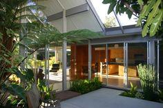 Nicole Hobbs' Thousand Oaks Homes for Sale, CA