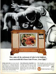 Vintage Tv Ads, Radio Vintage, Vintage Humor, Vintage Market, Vintage Ephemera, Vintage Advertisements, Vintage Stuff, Color Television, Vintage Television
