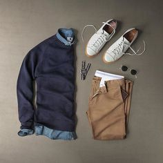 12 Men Sweater Outfits Ideas Worth Try - trendstutor Mode Outfits, Casual Outfits, Fashion Outfits, Fashion Mode, Mens Fashion, Stylish Men, Men Casual, Smart Casual, Herren Outfit