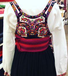 #Norwegian #national #costume #bunad. Se dette Instagram-bildet fra @ heimenhusfliden_rosenkrantzgt • 52 likerklikk