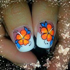 Bright Toe Nail Art, Toe Nails, Fingernail Designs, Titanic, Hair And Nails, Lily, Make Up, Bright, Tattoos