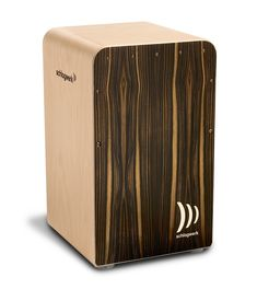 The comfort Mocca from the Cajon Fineline series offers a unique sound experience due to the Fineline snare technique with individual CW2 snare wires.