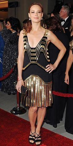 BÉRÉNICE BEJO    Gucci fue una de las casas que incluyó vestidos al estilo flapper en su pasarela de Primavera 2012. Este modelito que lució la protagonista de The Artist es uno de ellos.