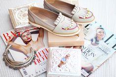 Flatlay with leather fringe loafers & magazines via {www.fashioncontainer.com} #flatlay #style