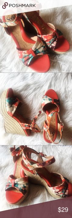 Sofft Peggie Women Open Toe Textile Wedge Sandal Really pretty Sofft Peggie Women Open Toe Textile Wedge Sandal espadrilles with tropical floral fabric and warm orange leather accent with cork and gold flecked sole.  New without tags. Has only been worn once to try on. Sofft Shoes Wedges