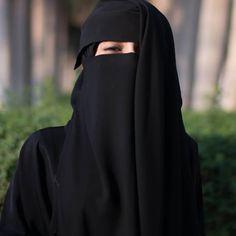 ---------- 🌴 #niqabis #makka #madina #black #sister #blacksister #hijab #nikab #niqab #perfect #beauty #paradise #like #woman #muslim… Arab Girls Hijab, Muslim Girls, Muslim Couples, Hijab Niqab, Muslim Hijab, Hijabi Girl, Girl Hijab, Muslimah Clothing, Niqab Fashion