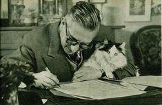 [Jean Paul Sartre y gato] - [*- (1905-1980). Filósofo, escritor, novelista, dramaturgo, activista político, biógrafo y crítico literario francés]