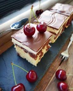 World's best Danube waves, sooooo juicy and delicious! World's best Danube waves, sooooo juicy and delicious! Doro Thea alfreddorodasch Backen World's best Danube waves, sooooo juicy and delicious! Doro Thea World's best Danube wav Donut Recipes, Brownie Recipes, Cake Recipes, Easy Nutella Brownies, Homemade Brownies, Grilled Desserts, Pancake Bites, Keto Donuts, Chai Recipe