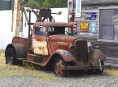 Cool Trucks, Big Trucks, Tow Truck, Pickup Trucks, Old Dodge Trucks, Dodge Cummins, Pompe A Essence, Automobile, Rusty Cars