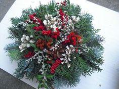 "Dušičková kytice malá ""buchta"" Floral Centerpieces, Floral Arrangements, Christmas Wreaths, Xmas, Funeral Flowers, Ikebana, Floral Wedding, Flower Power, Garland"