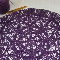 Lace Doilies, Crochet Doilies, Crochet Stitches, Knit Crochet, Crochet Skull Patterns, Halloween Crochet Patterns, Crochet Angels, Crochet Gifts, Halloween Decorations