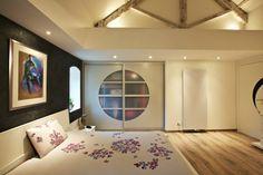 Cloison japonaise dans une chambre à coucher