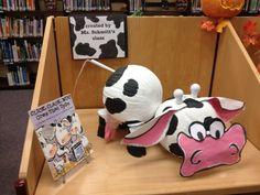 Click Clack Moo pumpkin project for the library Pumpkin Decorating Contest, Pumpkin Contest, Pumpkin Ideas, Decorating Pumpkins, Halloween Themes, Halloween Pumpkins, Halloween Crafts, Halloween Decorations, Book Costumes