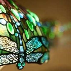 Louis Comfort Tiffany and Clara Driscoll: Bringing Nature's Beauty to Light  By Angela Carson