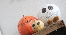Halloween con niños: calabaza y Jack Skelton de papel mache. Easy craft ideas for Halloween with kids: paper pumpkin and Jack Skellinton