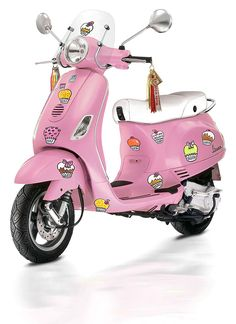 BLOND Vespa. Funny it looks pink to me!