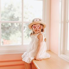 BABY PINK FLOWER SUNGLASSES Flower Sunglasses, Girl With Sunglasses, Pink Sunglasses, Flower Shape, Toddler Fashion, Baby Accessories, Sadie, 6 Years, Flower Designs
