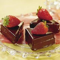 chocolate-covered strawberry cakes