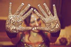 Dulhan Bride Pakistani Indian Desi Wedding Henna Mehndi