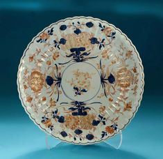 *Click to read about the history and see more detailed images* RARE KANGXI CHINESE IMARI FLUTED & SCALLOPED DISH, China, c1700, Johanneum Inventory numbers N=z 68+. From the Japanese Palace, Dresden, Collection of Augustus the Strong