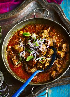 Fall-apart vindaloo with red onion mint chutney. If you love curry, you'll love this vindaloo. Originating from Goa, our version is easy, made with pork and full of authentic spices. Serve with rice and homemade mint chutney at a dinner party for friends