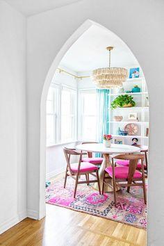 My Biggest Design Wins In Our Current Home (What I'd 100% Do Again!) | studiodiy.com Pink Dining Rooms, Dining Room Colors, Dining Room Design, Turquoise Dining Room, Colorful Dining Rooms, Eclectic Dining Chairs, Boho Stil, Dining Nook, Dining Room Inspiration