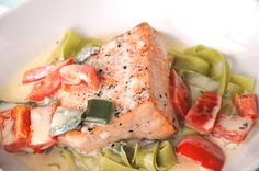 grilled salmon with spinach tagliatelle and pepper sauce