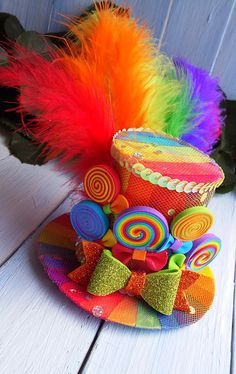 Ready to Ship Size - diameter 5 inch , height 3 inch Mini Top Hat Headband Rainbow Mini Top Hat Mad Hatter Hat Tea Party Hat Alice in Wonderland Hat Fascinator Rainbow Mini Hat Mini Top Hat made on the Crazy Hat Day, Crazy Hats, Mad Hatter Hats, Mad Hatter Tea, Mad Hatters, Hut Party, Sombreros Fascinator, Party Fotos, Tea Party Hats