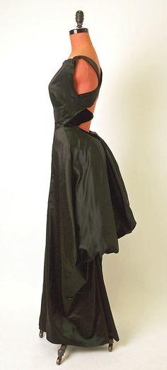 Evening dress Charles James (American, born Great Britain, 1906–1978) Date: 1947 Culture: American Medium: silk Dimensions: Length: 63 in. (...